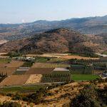 Der Kale Ağılı mit den Resten des antiken Atarneus von Süden