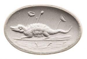 Krokodil im Schilf. Maße: 15,2x23,85 mm. Original: Plasma, grün, Ende 1. Jh. v. Chr. Alexandrinisch? Berlin SMB Dressel 32.237,496. Literatur: Weiß 2007, 267f. Nr. 468 Taf. 62.